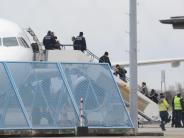 Proteste von Opposition: Kritik an Sammelabschiebung von Afghanen