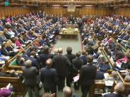 Größte Hürde genommen: Unterhaus erteilt May Vollmacht für Brexit-Verhandlungen