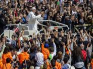 Osterbotschaft: Papst: Hoffnung trotz des Leids nicht aufgeben