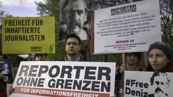 Pressefreiheit auch in Demokratien unter Druck
