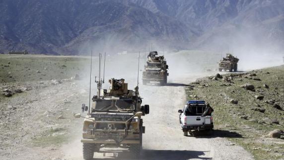 Taliban-Offensive treibt Tausende Afghanen in die Flucht