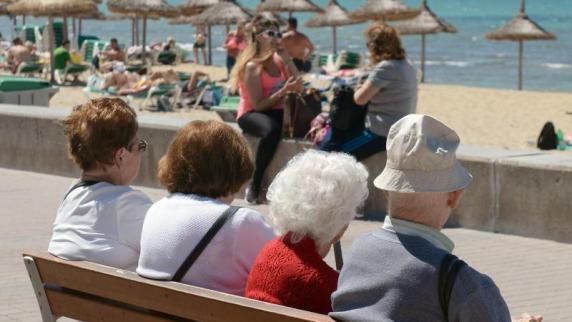 Deutschland: Einkommen älterer Menschen steigen stärker als von Jüngeren