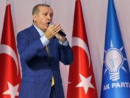 Machtzuwachs für Präsidenten: Erdogan wieder zum AKP-Parteichef gewählt