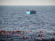 Katastrophe vor Libyen: Flüchtlingsboot kentert - die meisten Toten sind Kinder