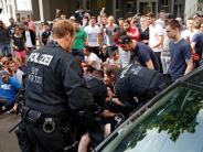 Neun Polizisten verletzt: Tumulte bei Abschiebung eines jungen Afghanen in Nürnberg