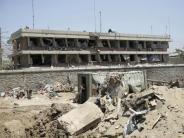 Ein Bekenntnis gibt es nicht: Gewaltige Explosion: Die Nachwehen der Bomben von Kabul