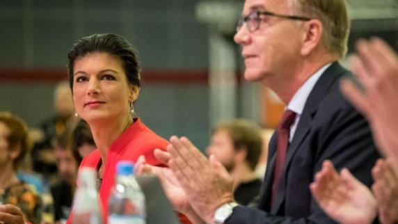 Linke will Merkel-Politik beenden - Streit um Wahlkampfkurs