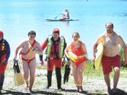 """Sommer: """"Baywatch"""" am Baggersee? So arbeiten Rettungsschwimmer wirklich"""
