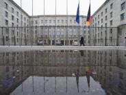 Sprudelnde Steuereinnahmen: Etatplan: 15-Milliarden-Polster für künftige Bundesregierung