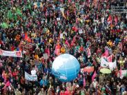 Zu Land und zu Wasser: Tausende demonstrieren bei «G20 Protestwelle»