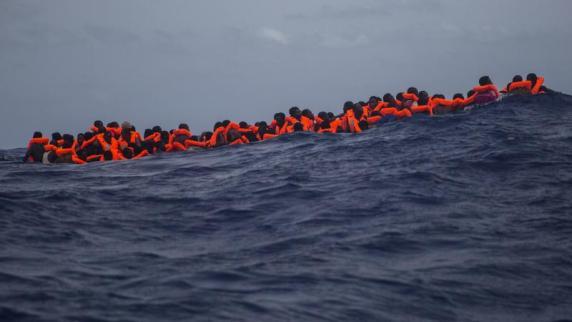 AfD will Deutschland für neue Asylbewerber schließen
