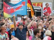 In Sachsen und Thüringen: Merkel bei Wahlkampfauftritten beschimpft