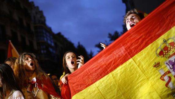 Hunderttausende Gegner der Unabhängigkeit Kataloniens demonstrieren