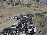 Hunderte Opfer: Viele Tote bei Anschlägen von IS und Taliban in Afghanistan