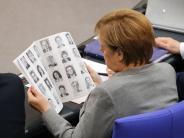 Berlin: Neuer Bundestag: Die erste Sitzung endet mit einem Eklat