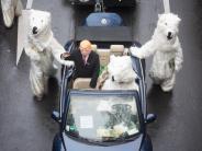 Weltklimakonferenz in Bonn: Klimaschützer protestieren in Bonn gegen Trump und Merkel