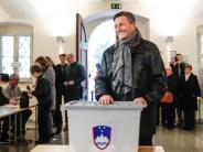 Knapper als erwartet: Sloweniens Staatspräsident Pahor wiedergewählt