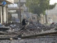 Nahe Aleppo: Dutzende Tote bei Luftangriffen auf Markt im Norden Syriens