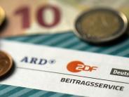 Rundfunkbeitrag: ARD und ZDF: Experten rechnen mit einem Überschuss in Millionenhöhe