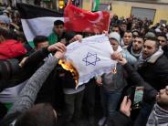 Berlin: Polizei will erneutes Verbrennen von Israel-Fahnen verhindern