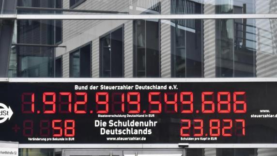 Steuerüberschuss von 11 Milliarden Euro: Schuldenuhr läuft rückwärts - Politik hat keinen Anteil