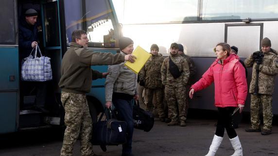 Ukraine und Rebellen beginnen größten Gefangenenaustausch seit Konfliktbeginn