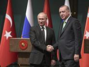 Türkischer Minister Cavusoglu: Waffenruhen in Syrien nehmen Flüchtlingsdruck von Europa