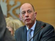 Öffentliches Versprechen: Tiefensee: Schulz soll auf Ministeramt verzichten