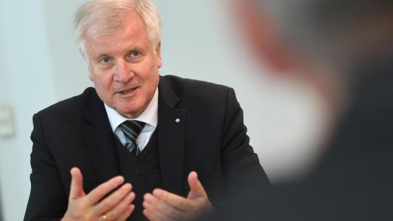CSU: Horst Seehofer ist noch da und doch schon weg