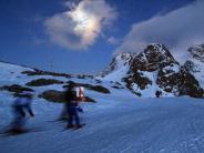 Tourismus: Schöne Teufelin: Vollmond-Skifahren bei St. Moritz