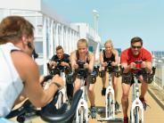 : Sport und Yoga auf See
