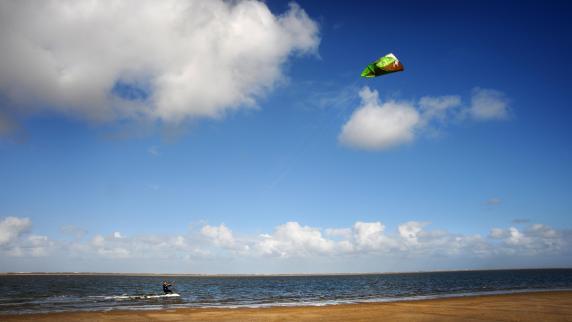 Urlaub in Europa: Urlaub in Friesland bei Künstlern und Kitesurfern