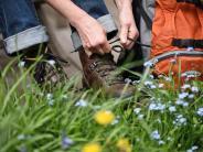 Tourismus: Schuhe und Regenjacke: Was Wanderer wirklich brauchen