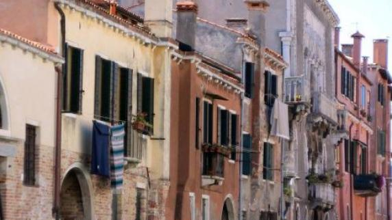 Reise und Urlaub: Recht freundlich bitte, Herr Gondoliere