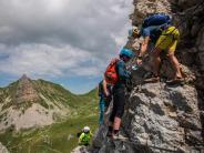Aktivurlaub: Klettern, stolpern, fliegen: «Hike and fly» am Achensee