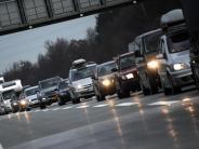 Verkehr am Wochenende: Späturlauber und Baustellen sorgen für Staus