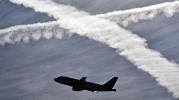 Gerichtsurteil: Flug früh storniert: Chancen auf hohe Ticket-Rückzahlung
