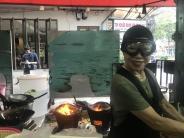 Starköchin mit Skibrille: Erster Stern für Bangkoks Street Food