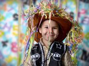 Spielzeug-Waffen: Fasching im Kindergarten: Kleiner Cowboy, aber ohne Pistole