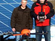 Wirtschaft:  Flugroboter kontrolliert Photovoltaikanlagen