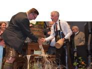 Schwabmünchen: Beim Anzapfen strömt das Bier am Hahn vorbei