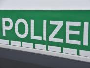 Polizeireport: Autos kommen sich gefährlich nahe