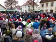 Christkindlmarkt: Glühwein und Balladen für soziale Zwecke