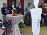 Empfang: Pfarrer Leutgäb warnt vor der rosa Brille