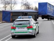Landkreis Landsberg: Wind bläst Hänger auf der B17 auf die Gegenfahrbahn