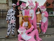 Wehringen: Hüttengaudi in Wehringen mit Hexen und rosa Hasen