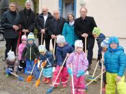 Wehringen: Spatenstich für die Kinderkrippe