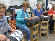 Königsbrunn: Masken, Handarbeit und ein Kunstwerk