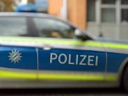 Königsbrunn/Inningen: Motorradfahrer und Sohn prallen gegen Wohnwagen