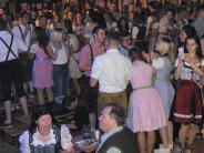 Bobingen: Mit der Bierflasche gegen Polizist